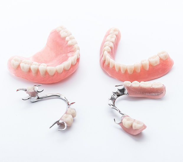 Henderson Dentures and Partial Dentures