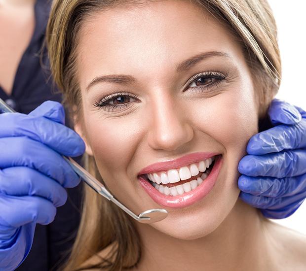 Henderson Teeth Whitening at Dentist